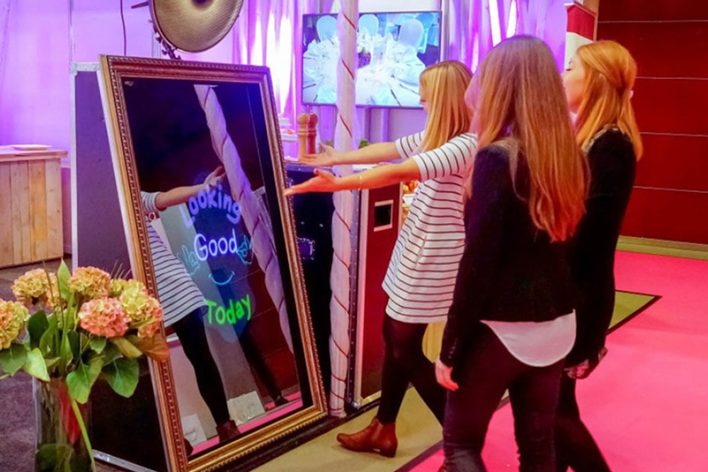 Mirror Photo Booth Hire at a Wedding